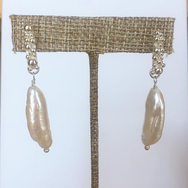 Funky pearls and lots of silver bubbles!