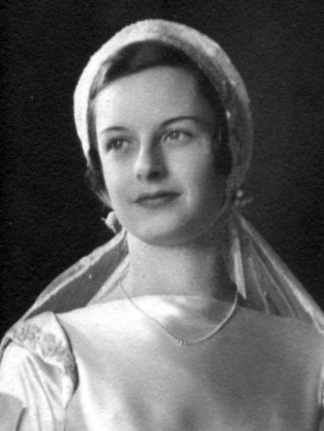 Lisa Porter Dial, on her wedding day