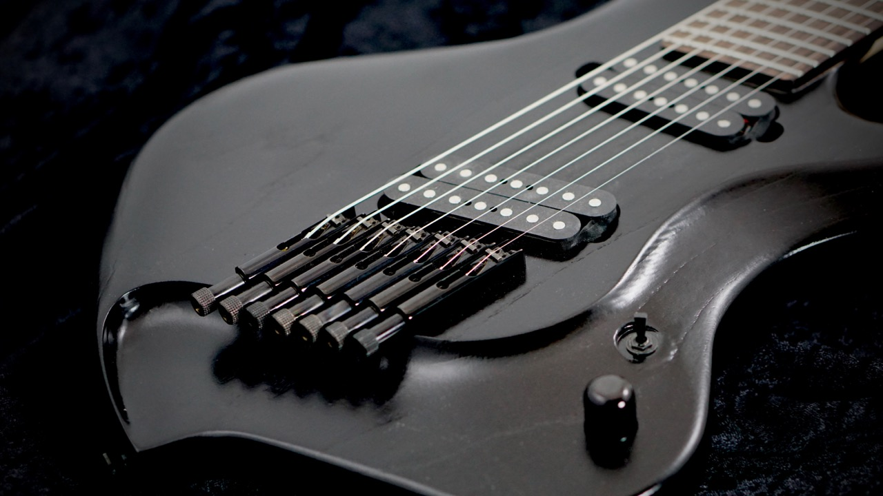 medusa-headless-guitar-bridge