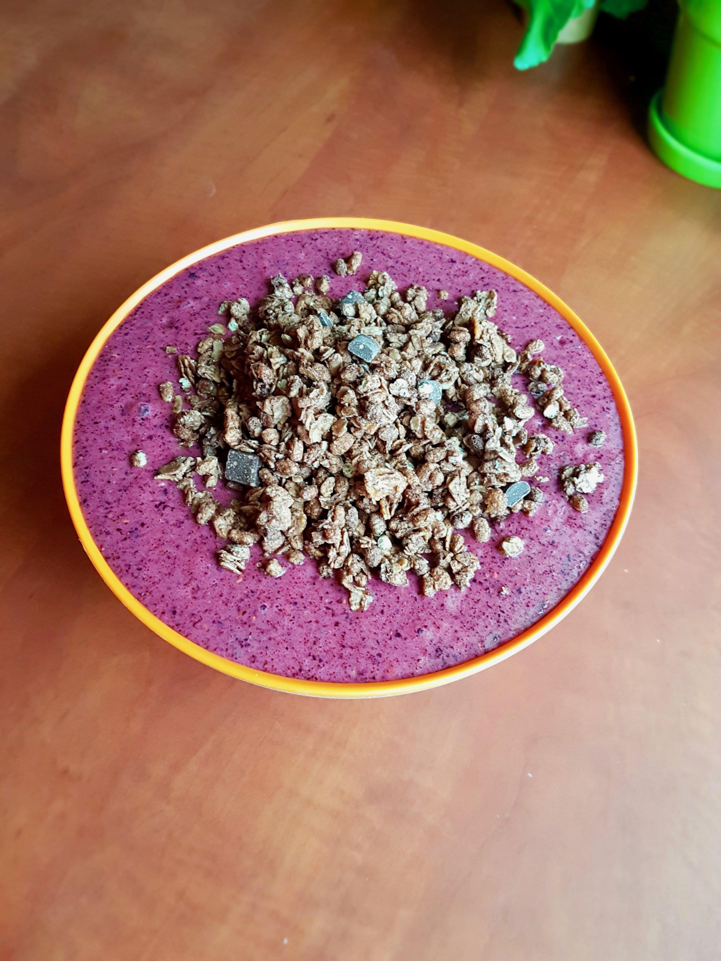 Smuutikauss marjade, müsli ja Vivolife proteiiniga