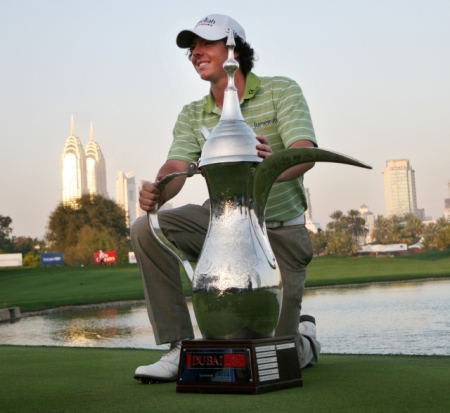 Rory McIlroy with the 2009 Dubai Desert Classic trophy