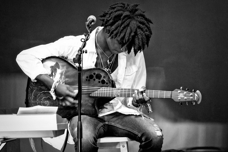 Timothy-Horton-musician.jpg
