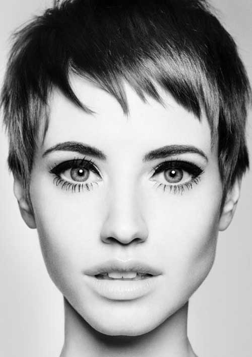 - pixie cuts were popularized first in the late 1950s when audrey hepburn wore the style in her debut film roman holiday, and later in the 1960s by actress mia farrow and british supermodel twiggy.according to elle, the pixie cut has been worn by