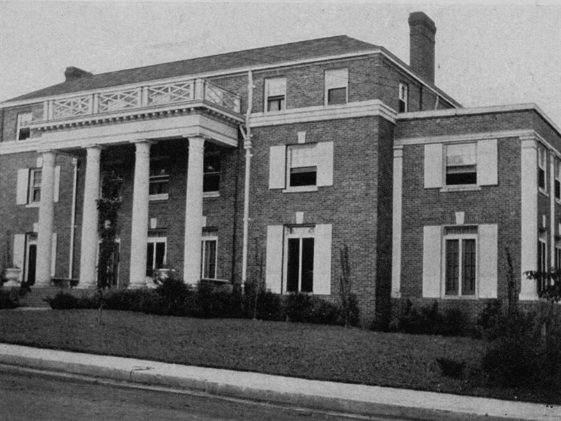 PICTURED ABOVE: THE ALPHA DELTA CHAPTER FACILITY AS SHOWN IN  THE CRESCENT , MAY 1933.