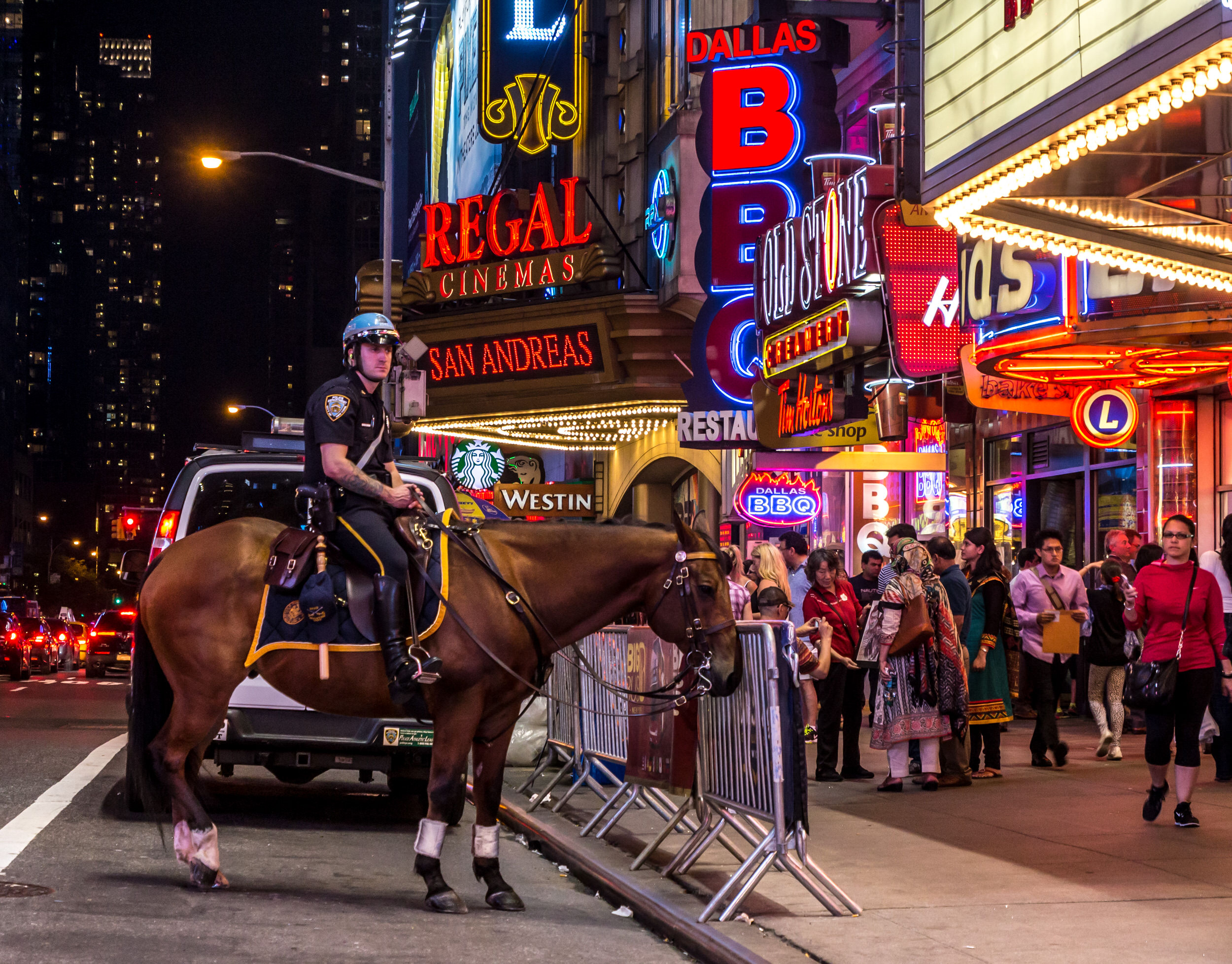 Times Square mounted cop.jpg