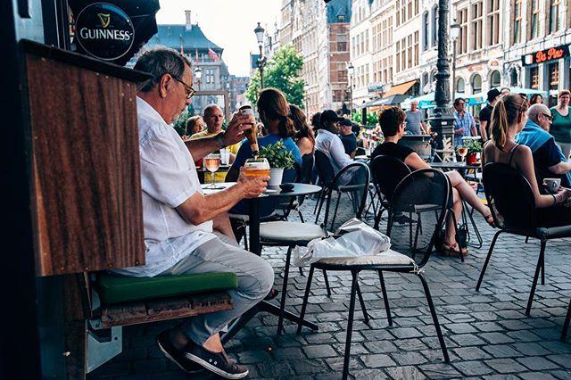 Today's forecast: 🍽+☀️+🕶+🍔+🥗+🍝+🍮+🥂+☕️+🍺+🍸= 😁😄😁😄 #happybackyardigans #genietenvanhetleven #backyard52 #thisisantwerp #visitantwerp #bistronomie #bonappétit