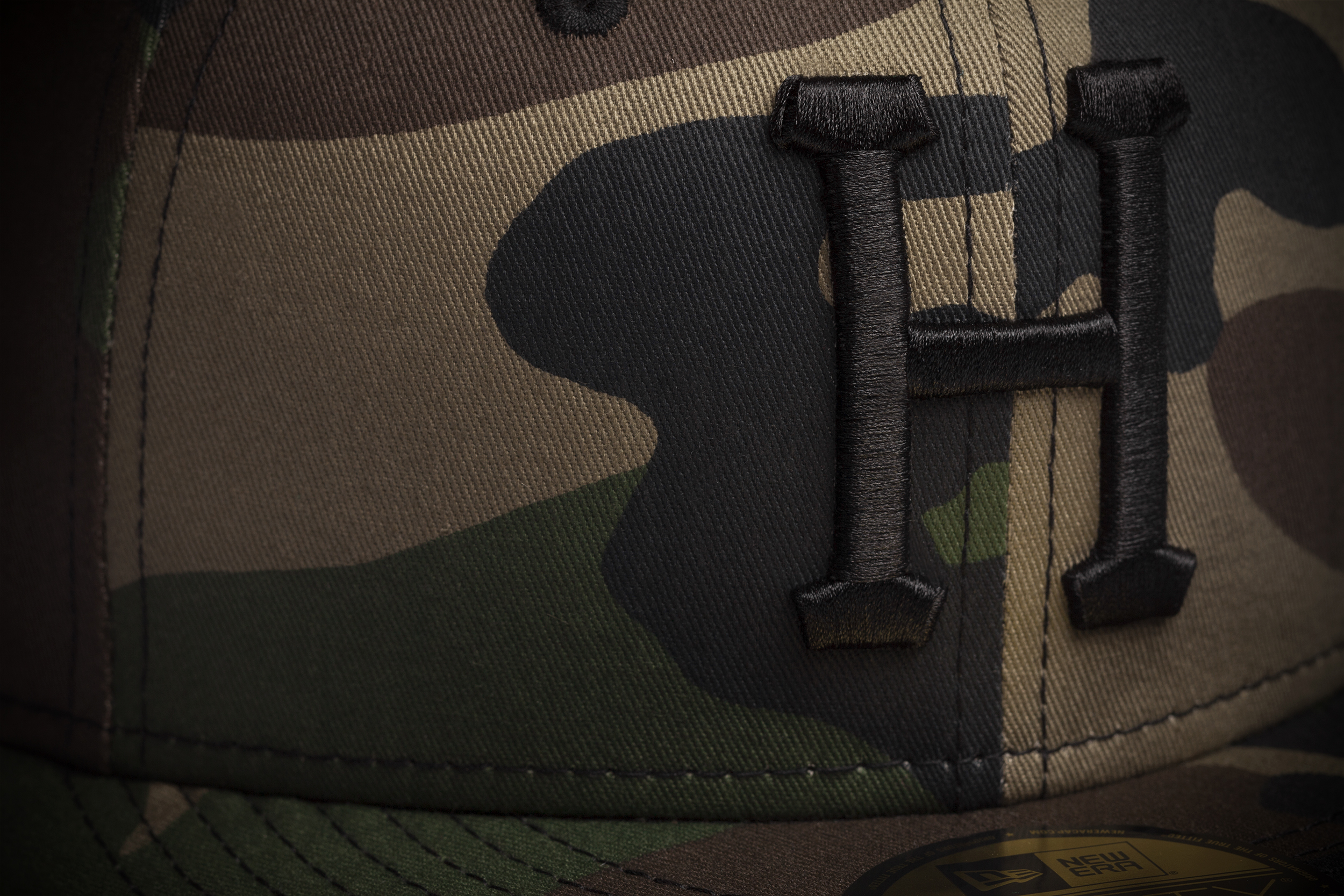 huf_sp14_d1_classic_h_new_era_woodland_camo_detail.jpg