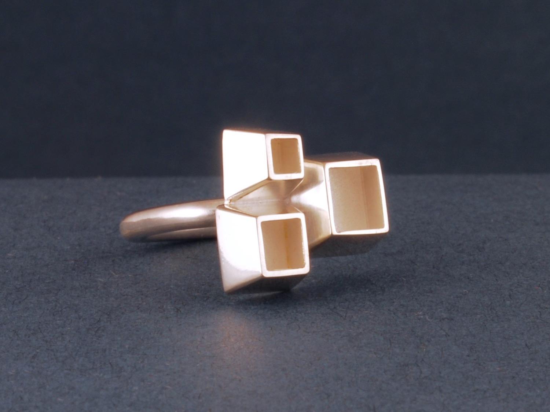 triplet ring