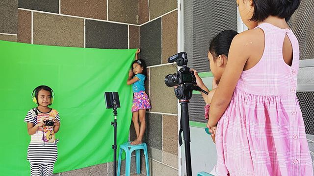So proud of how independent our students have become with their projects! Here they are cooking up ideas for their green screen images. Participants selected photos of potential job locations from Google that they plan to insert themselves into. They picked their own props, gestures and poses. Their team work was so awesome! We are so happy to see them excited to help each other with their assignment. Stay tuned to see what types of jobs they are dreaming of. #family #familia #future #hinaharap #work #trabajo #hardworking #masipag #creative #malikhaing #dreams #pangarap #children #bata