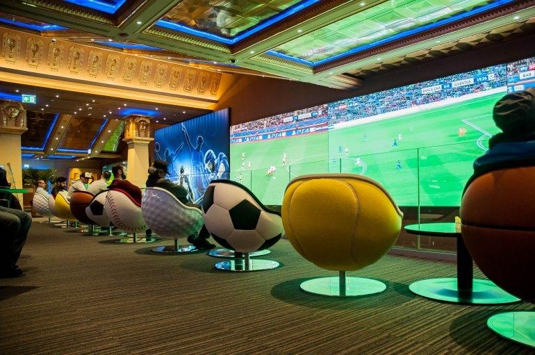 betting lounge.jpg
