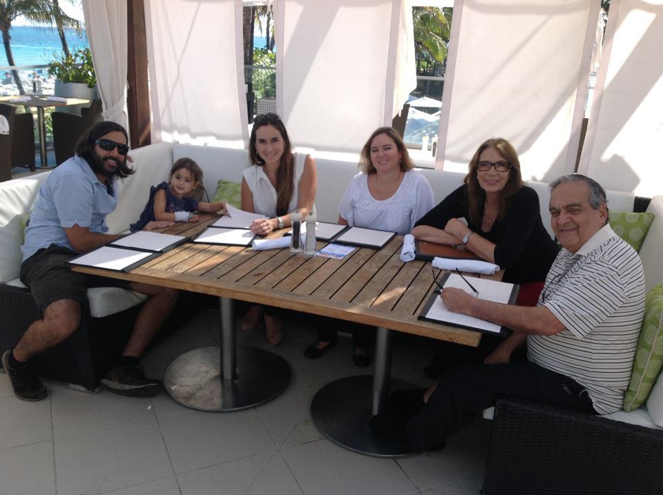 Manuel Ainzuain Vanessa Ainzuain Mica Gautier Gisella Christensen, Patricia Ramirez del Villar.jpg