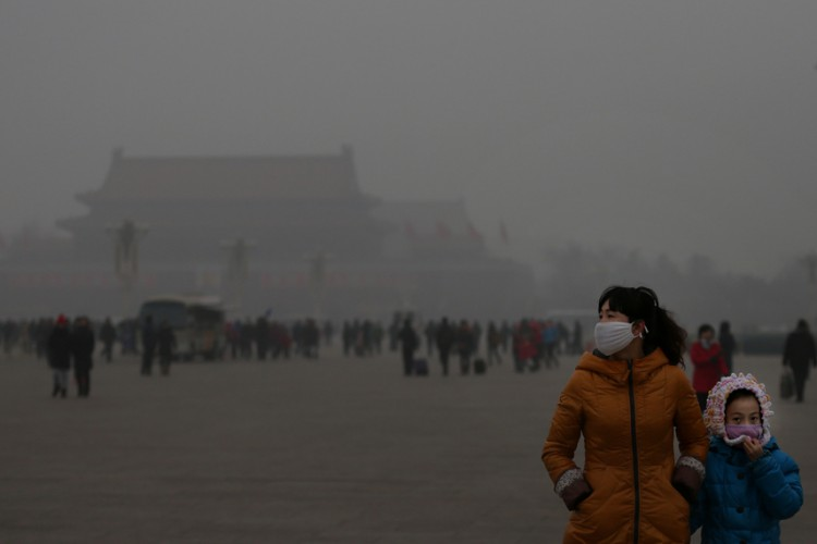 Toddlers can be easily flustered at spending consecutive days indoors due to poor air. Photo: Courtesy of That's Beijing.