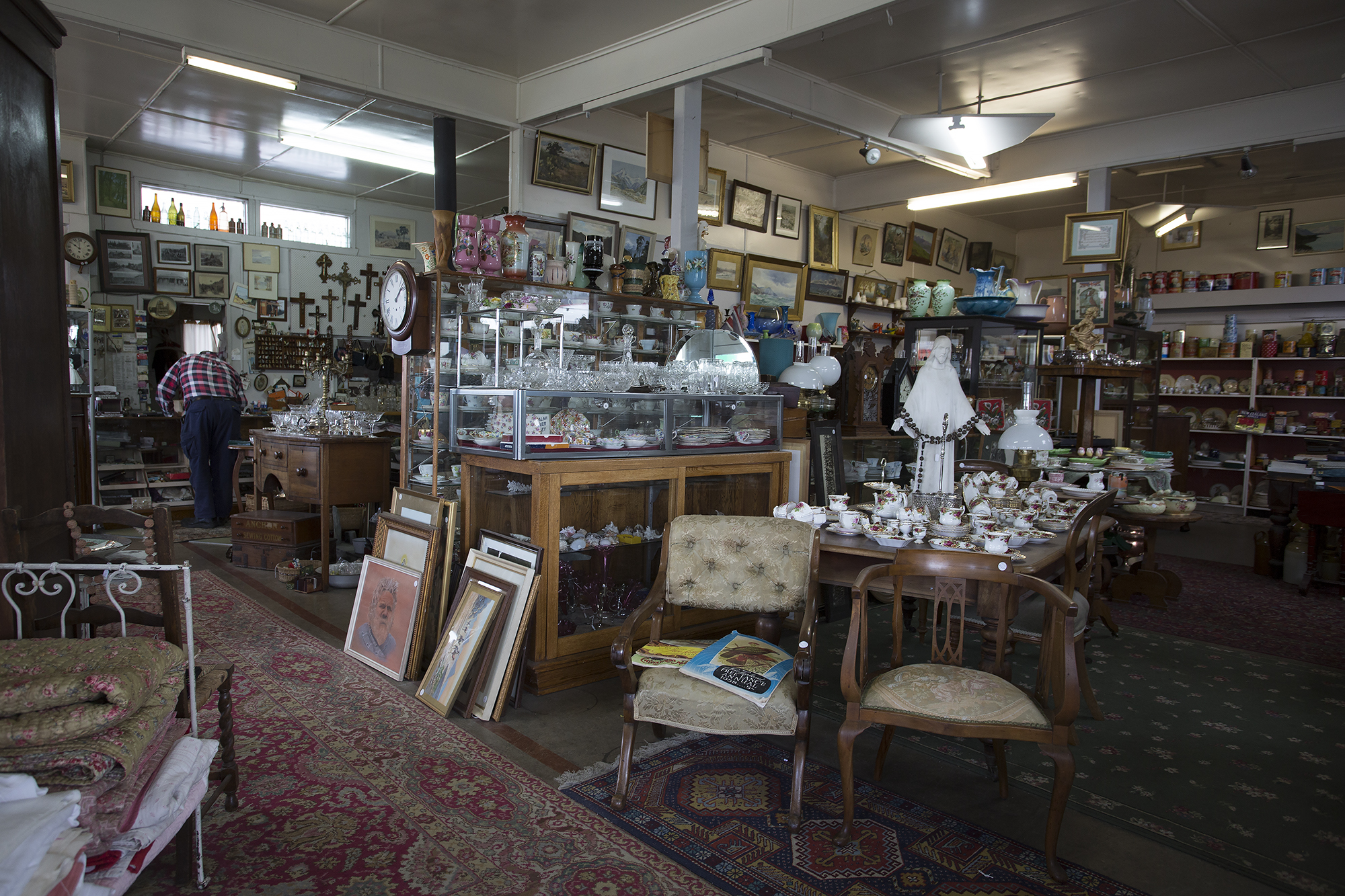 Every inch of space is filled with trinkets, jewels, art and of course curios.