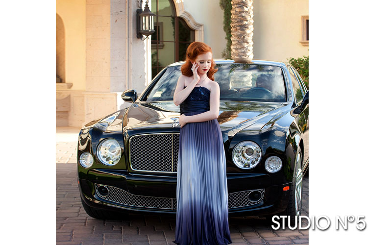 Lifestyle photo session. Fashion styling.