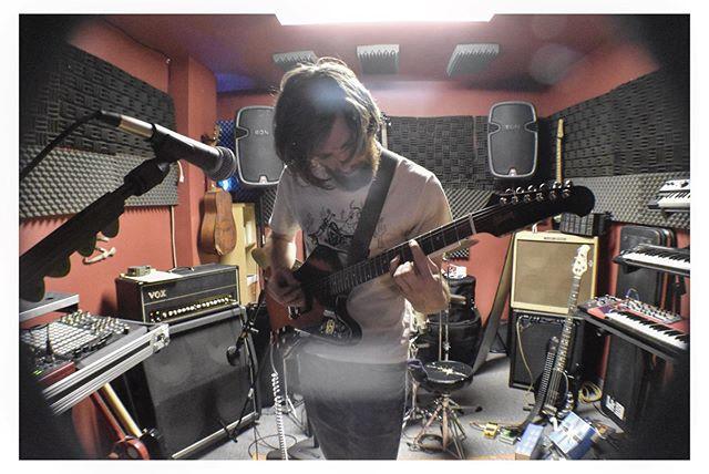 Goodbye rug.  Goodbye lighting.  Goodbye red,  straight from The Shining.  @scntrnmusic