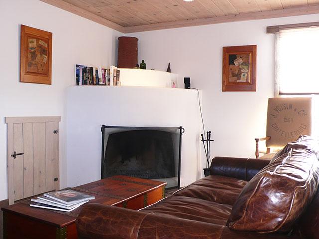 3livingroom.jpg