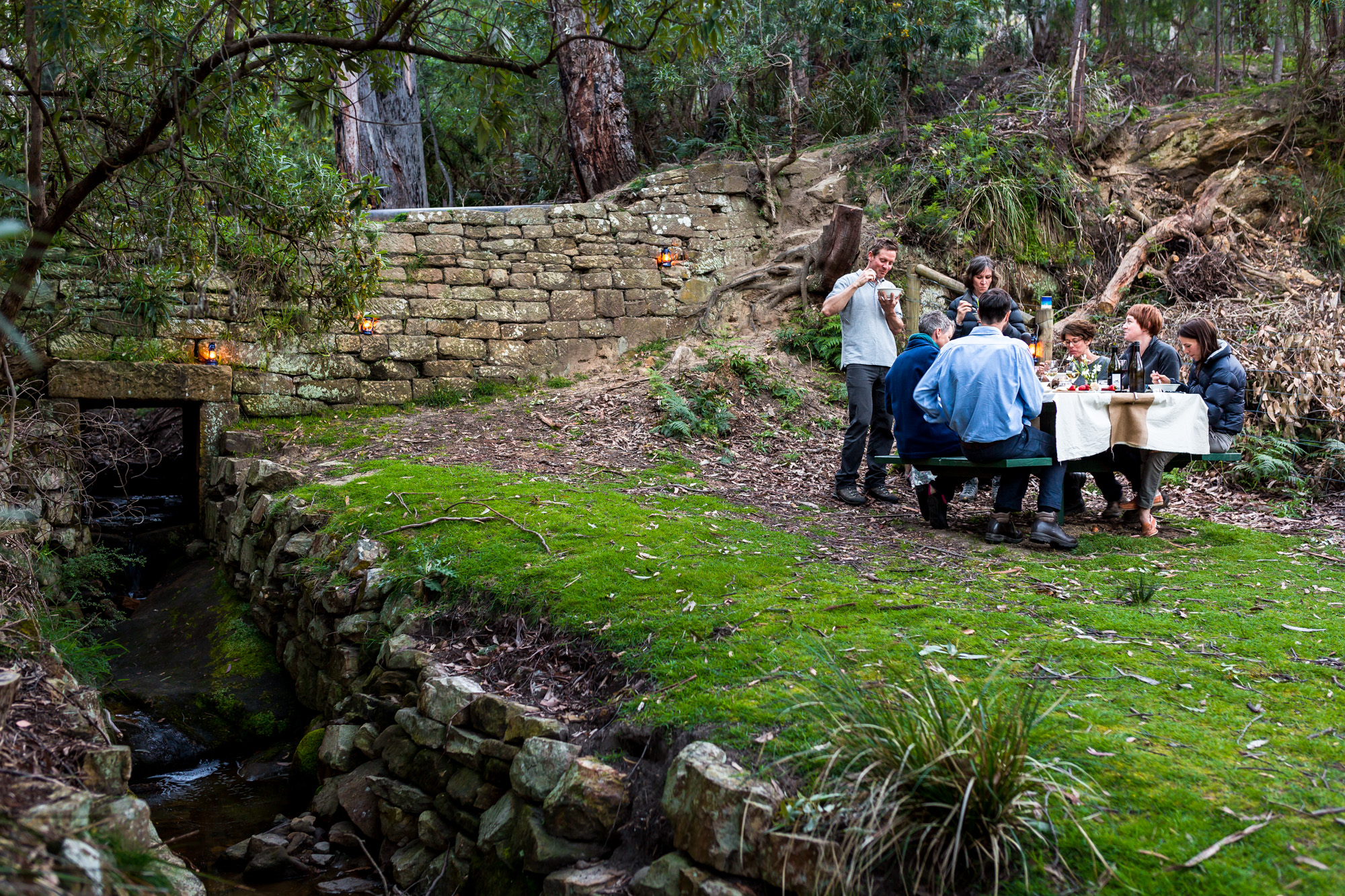 There is something special to dine in the great outdoors.