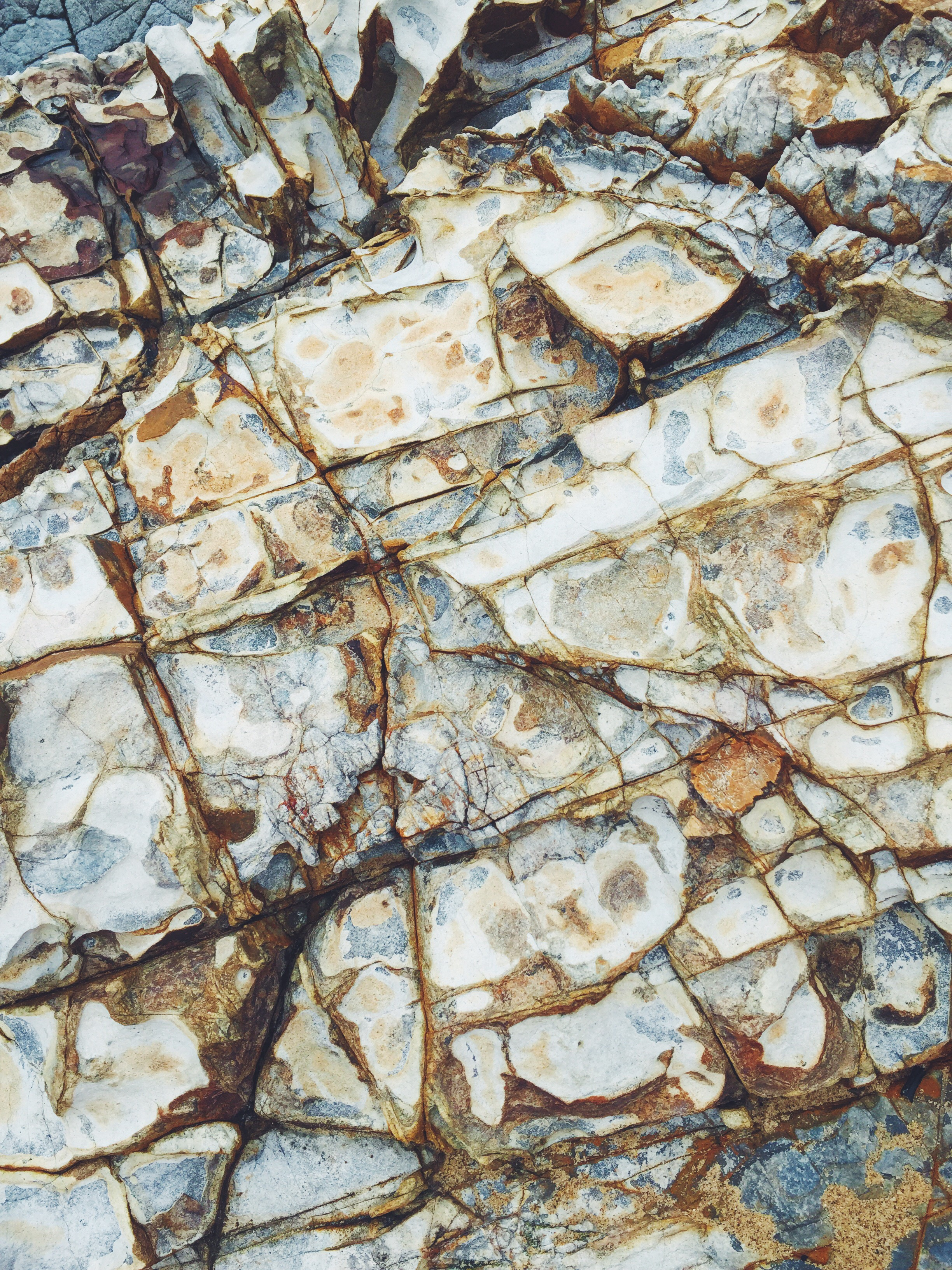 Rock formations on Crescent Bay beach