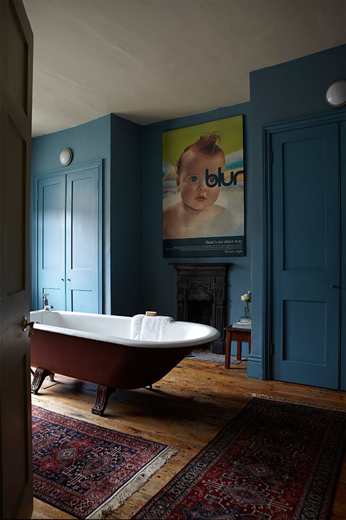 Bathroom in Stone Blue and Rectory Red. F & B