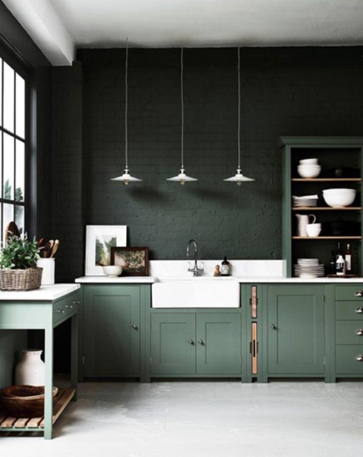 44d86fefae59c36fea3a55cb924dab37--dark-green-kitchens-kitchen-dark.jpg