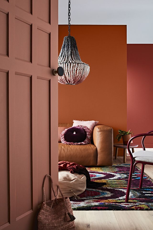 Even clashing tones of peach and terracotta will work - Proceed with caution.
