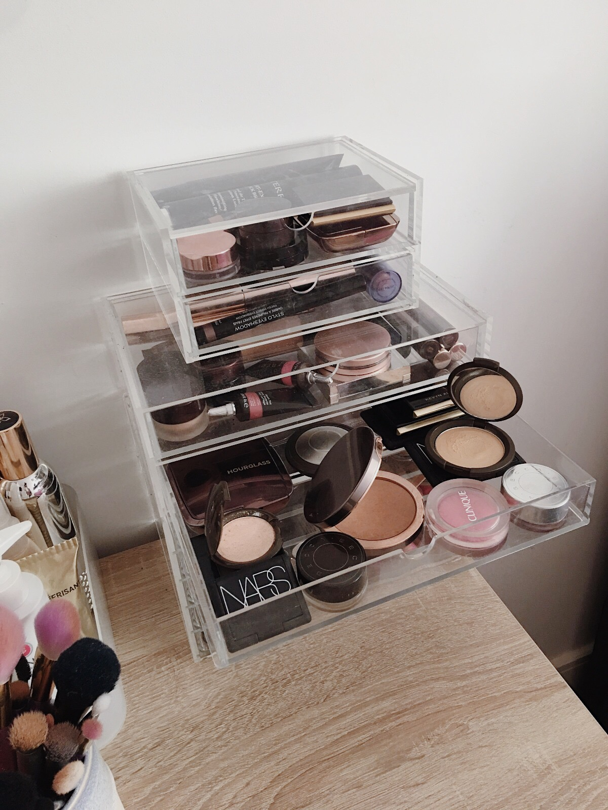 www.jasminehardingmakeup.com - My beauty storage