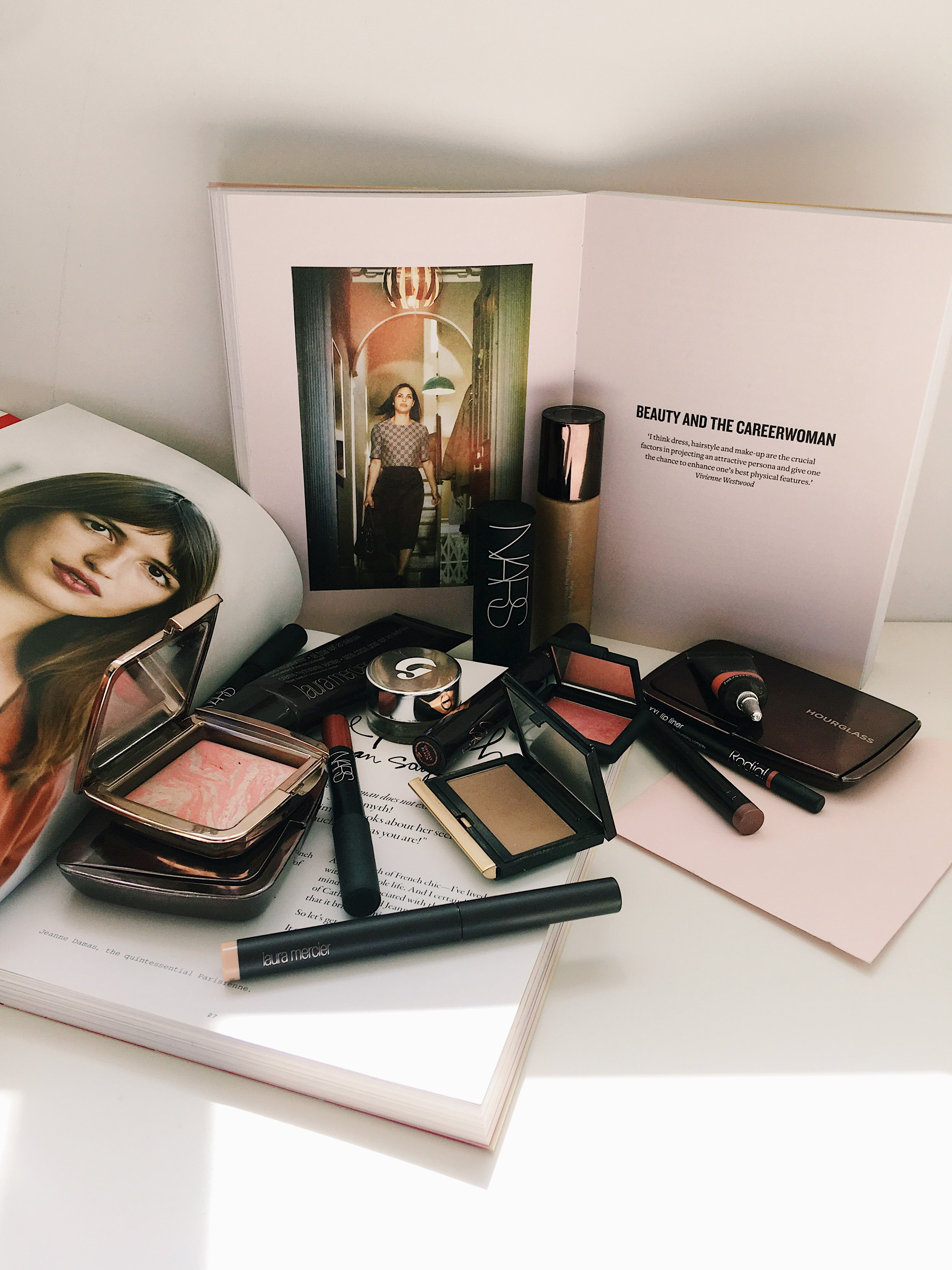 AMOUR OPHELIA - MAKEUP I CAN'T LIVE WITHOUT