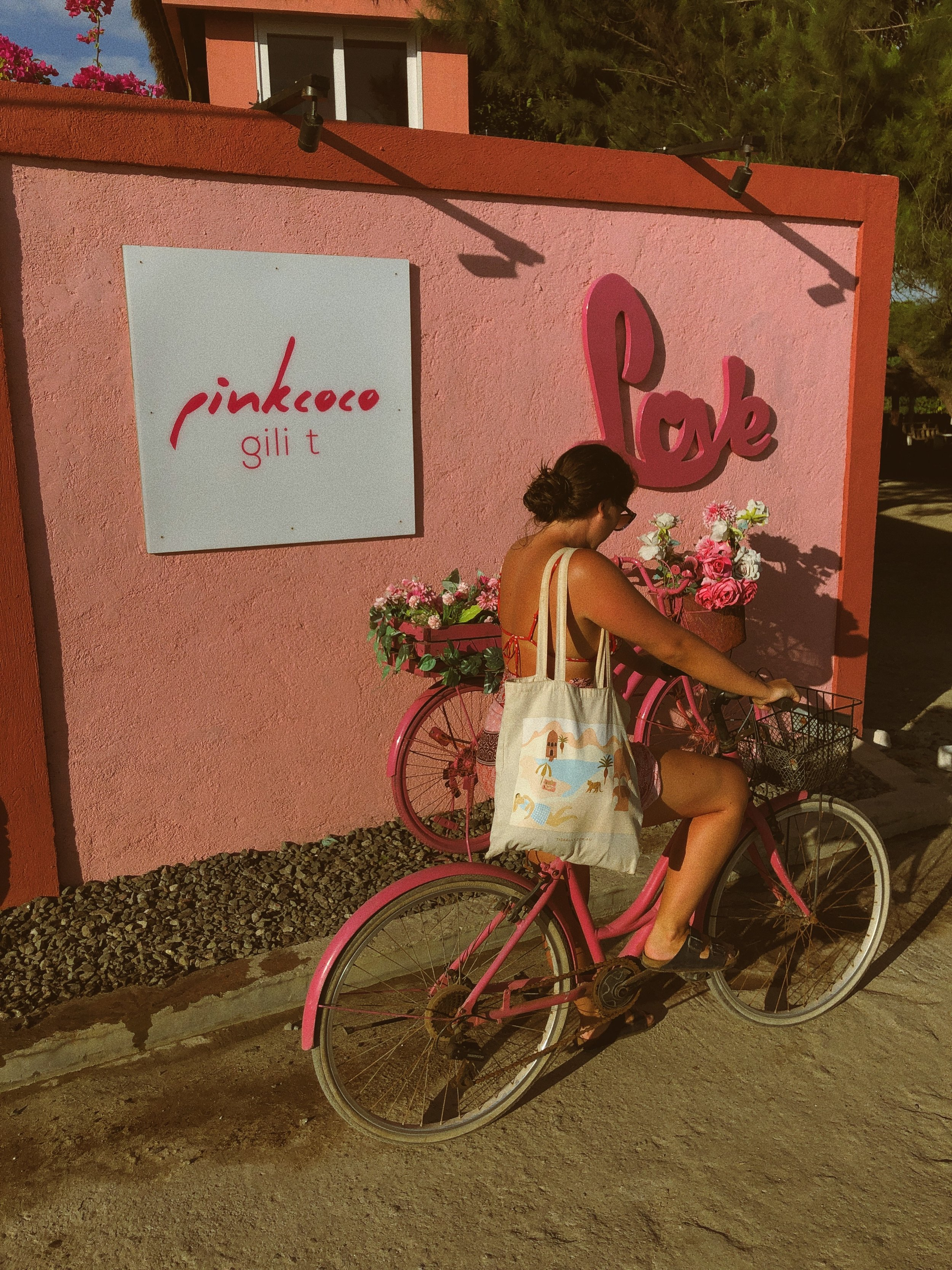Pink Coco Hotel Gili Trawangan Review - Amour Ophelia