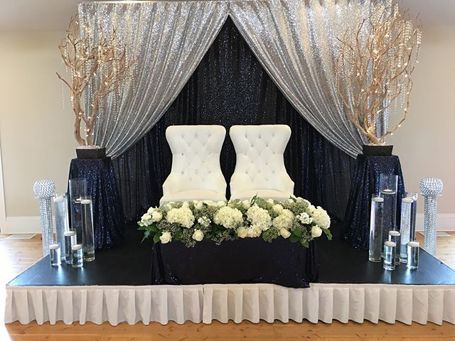Amazing East Indian decor just outside of the city, at the beautiful White Tail Meadows. Incredible venue and owners. #winnipeg #decor #decorationsbyrick #wedding #whitetail