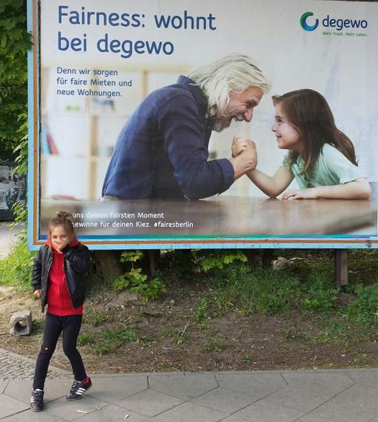 P005_Degewo_Kampagne_2_Berlin_Businessportrait_Businessfoto_Kierok_Berlin_Portrait_Portraitfotografie_Portraitshooting_Fotoshootings_Professionell_Geschäftsbericht_Unternehmensfotografie