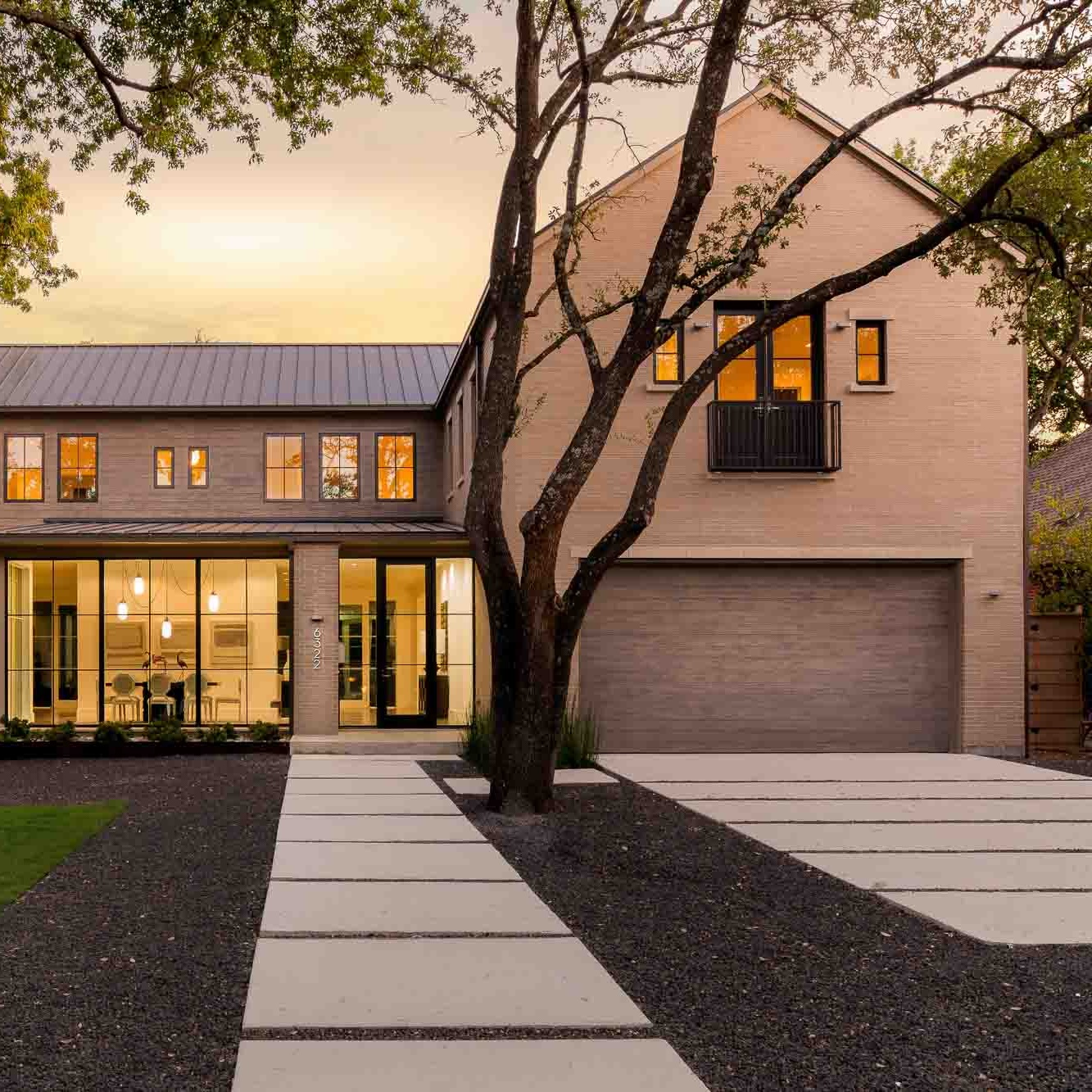 6322 Prestonshire - Sophisticated Modern
