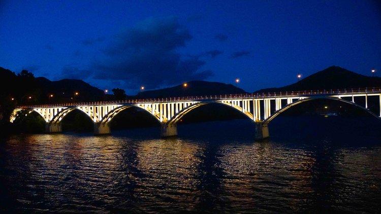 Portugal+2016+Viking+bridge+night+DSC09930+3+copy.jpg