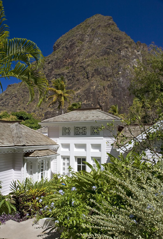 11 - HIGH-RES-Luxury Villa Exterior.jpg