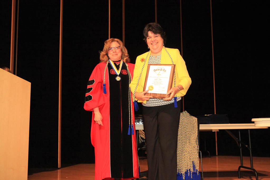 Dr. Estela Lopez