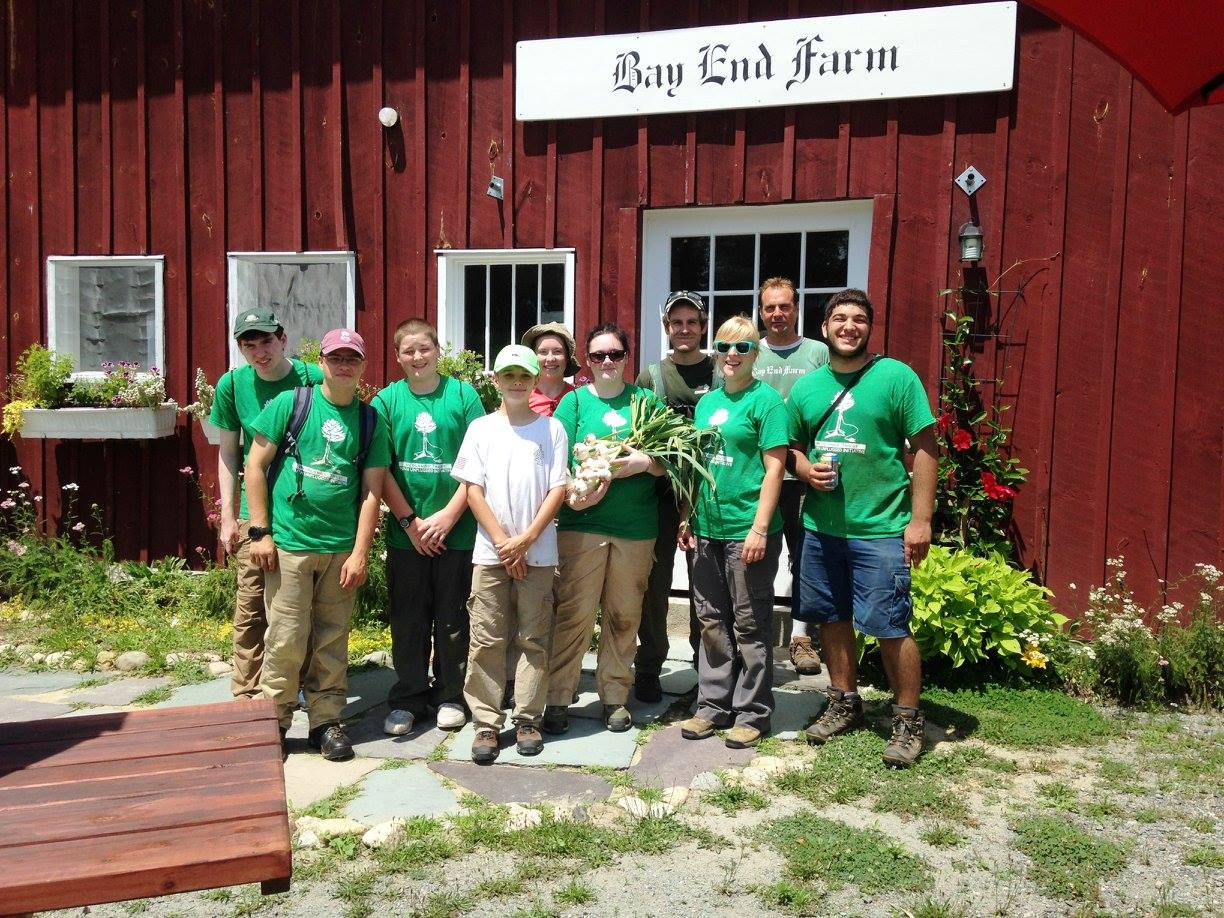 Green Team 2016 Crewmembers after a day of harvesting a processing garlic at Bay End Farm
