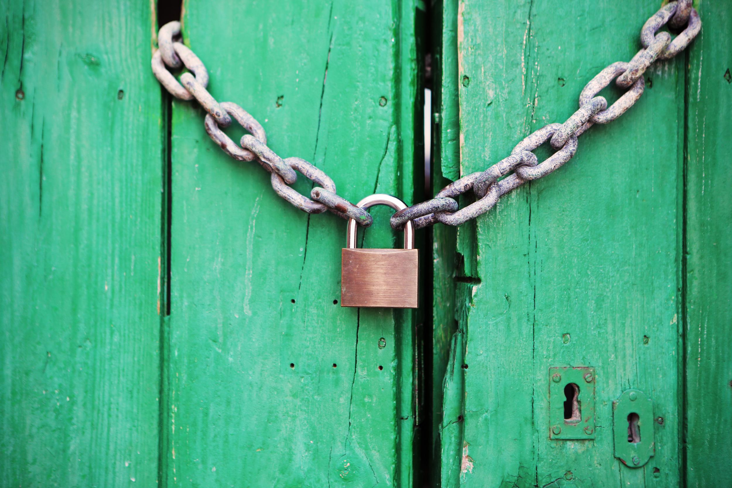 2014_07_life-of-pix-free-stock-photos-spain-door-padlock.jpg