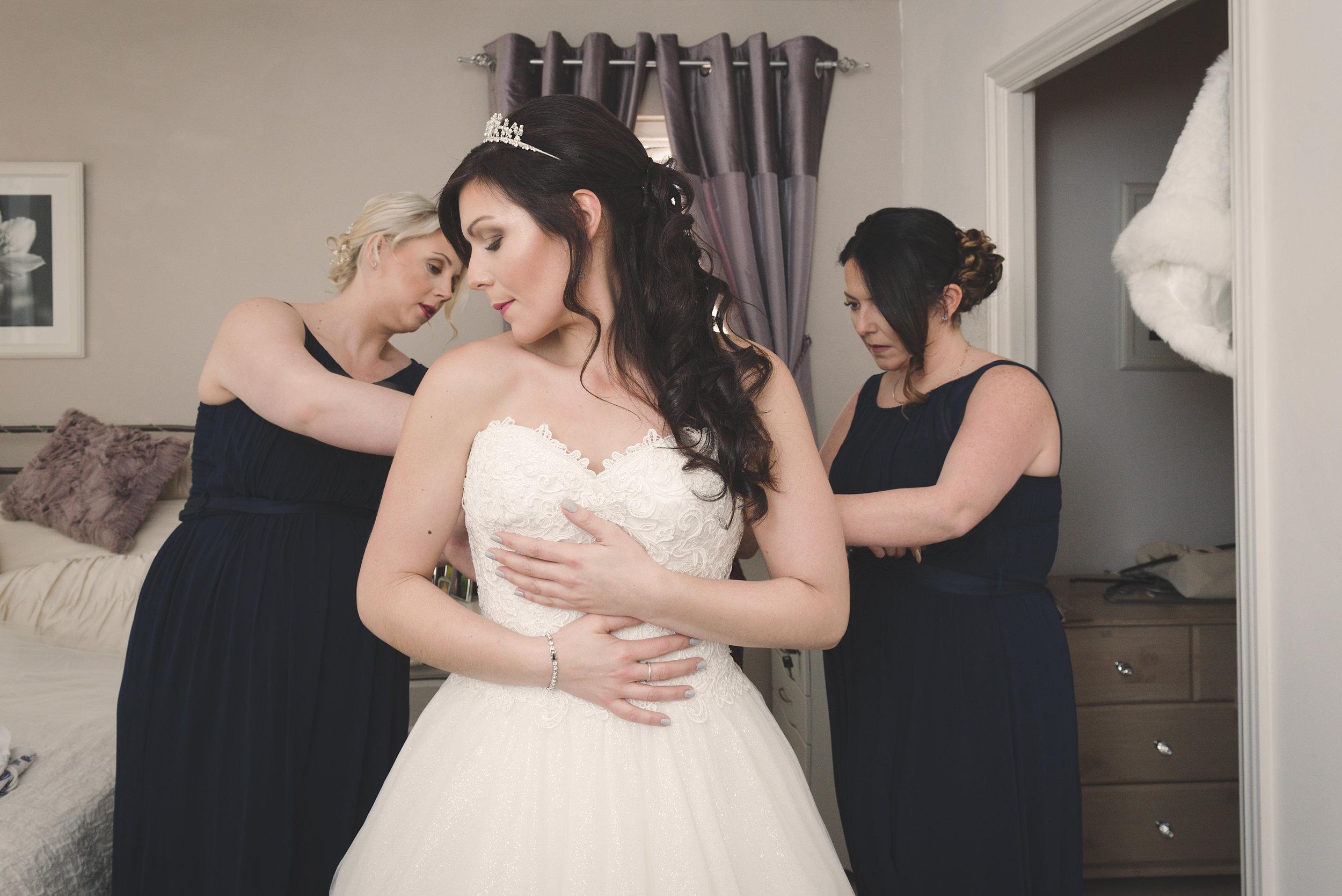 Bridal prep-56.jpg
