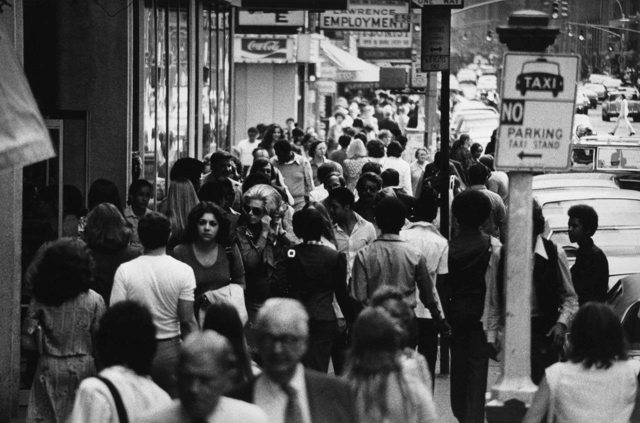 15_57_Busy street full of pedestrians_Dan Wynn Archive.jpg