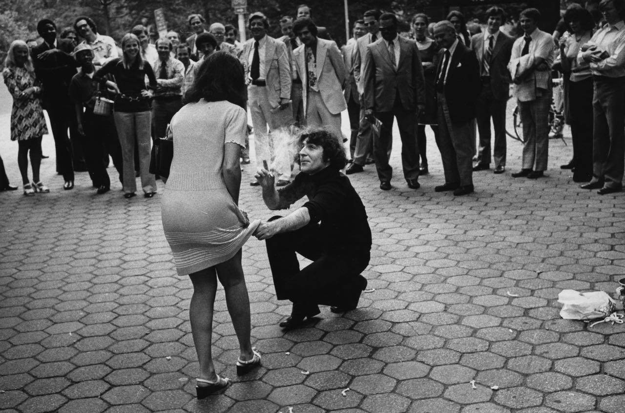 15_60_Man lifting woman's skirt_Dan Wynn Archive.jpg