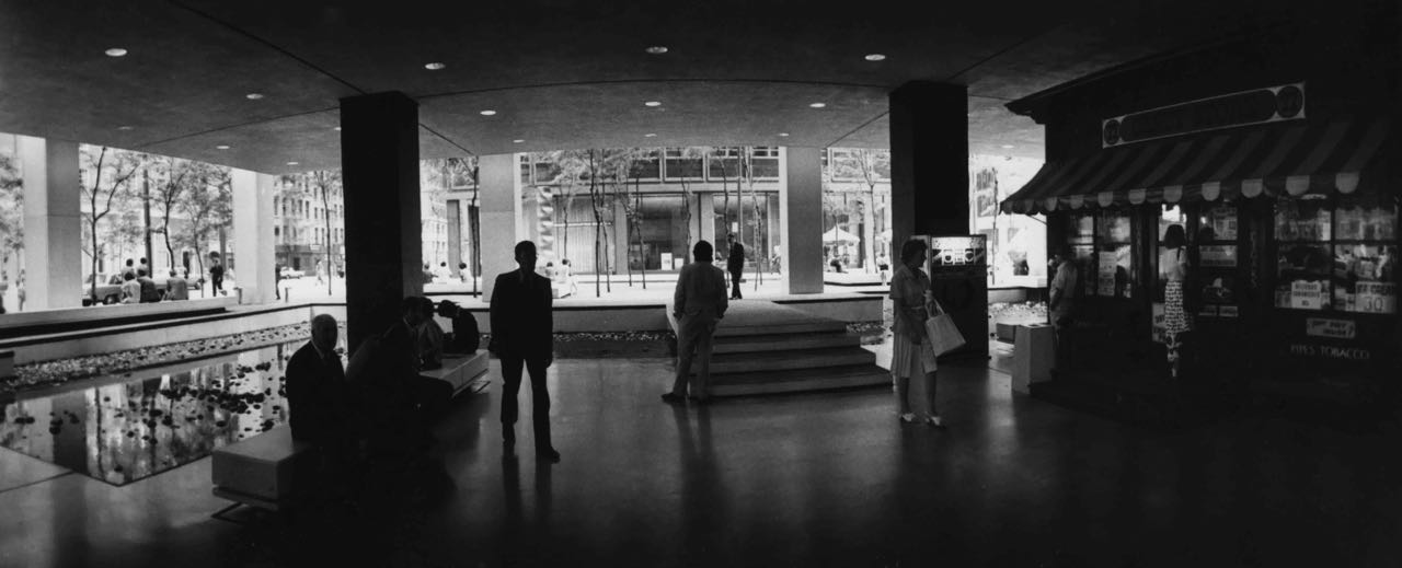 15_82_Bottom of a building_Dan Wynn Archive.jpg