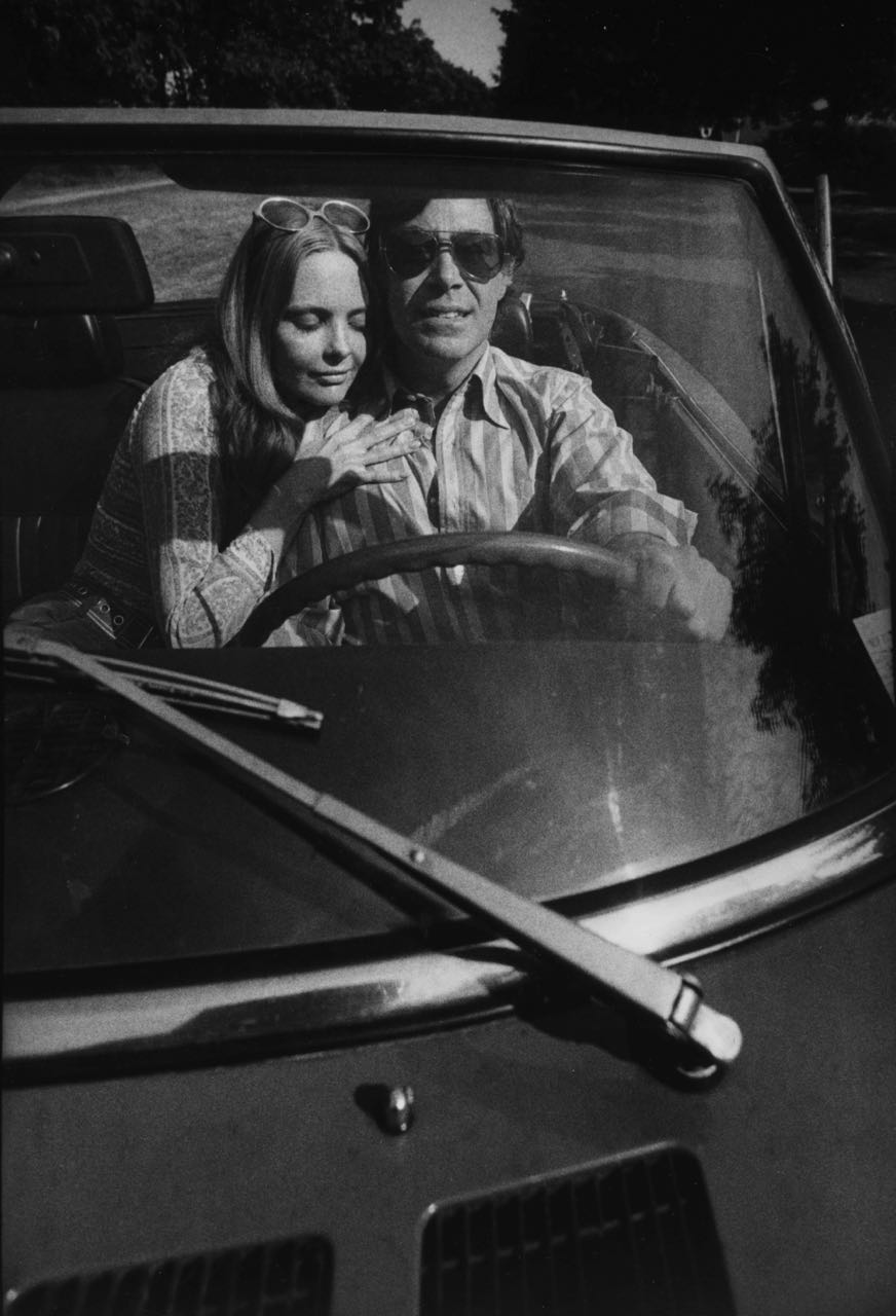 15_3_a couple in a car_Dan Wynn Archive.jpg