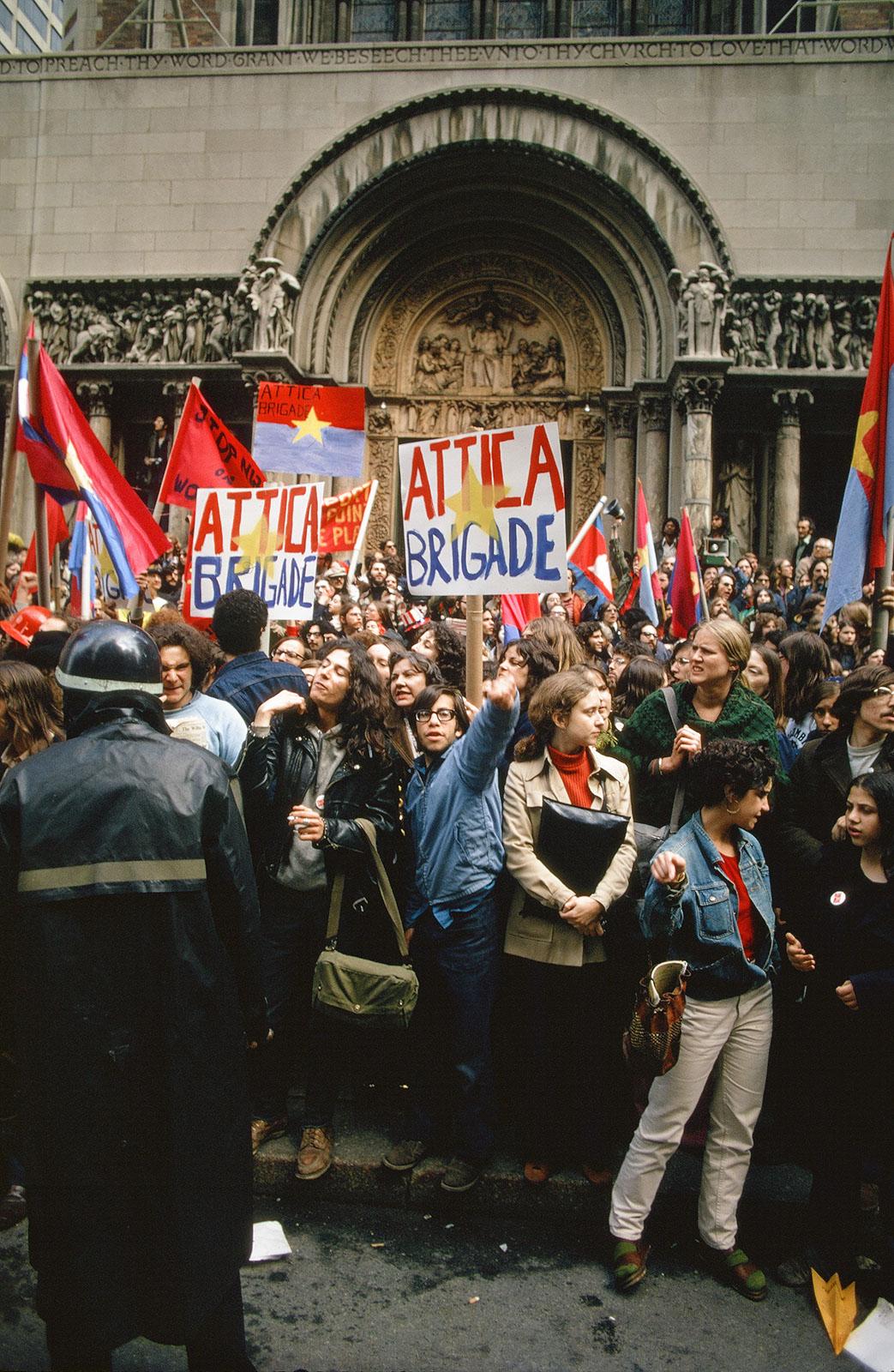 Dan-Wynn_Political-Protest-Nixon_03-01-72_0001.jpg
