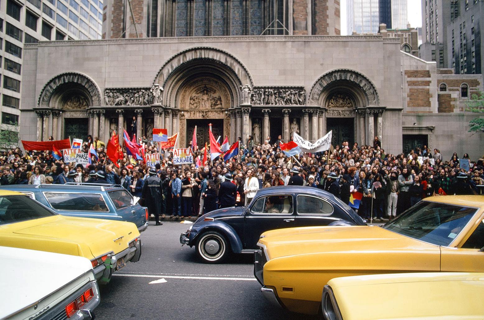 Dan-Wynn_Political-Protest-Nixon_03-01-72_0003.jpg