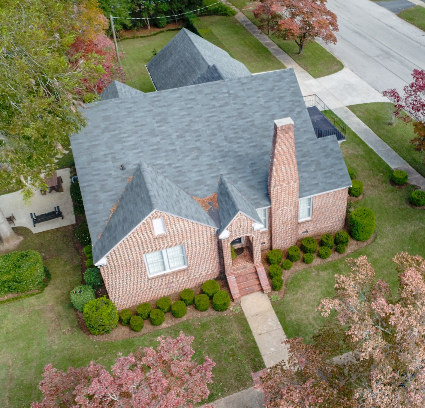VIDEO TOUR$250 - Aerial and interior. Approximately 2 minute video with 2 business day delivery. Customized Google Earth satellite imagery.Includes 2 aerial photos. Listings over 10 acres add $50. Add 45 Aerial and Interior Photos optimized for GAMLS:$100