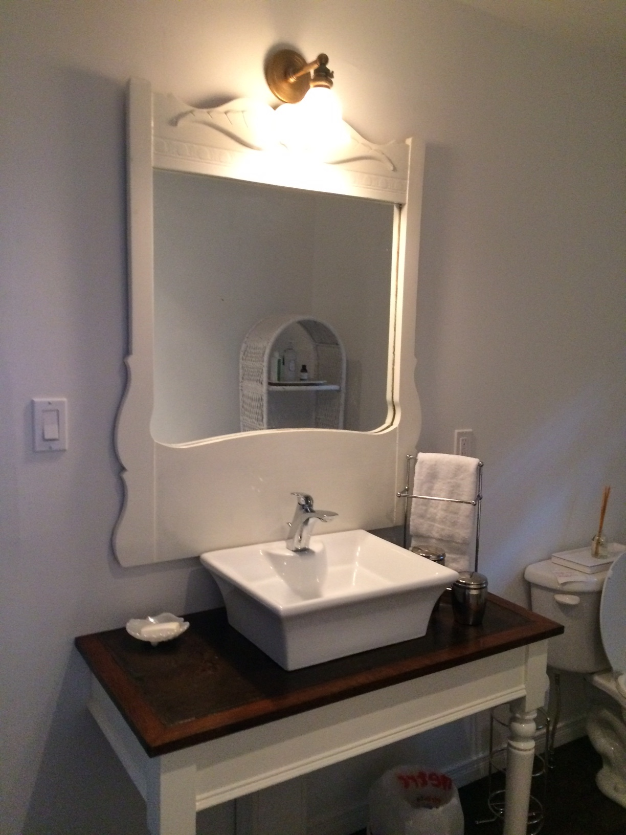 thelma lower bathroom 2.jpg
