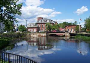 Jaffrey lies mostly within the Merrimack River watershed, via the Contoocook River in the eastern part of the town.