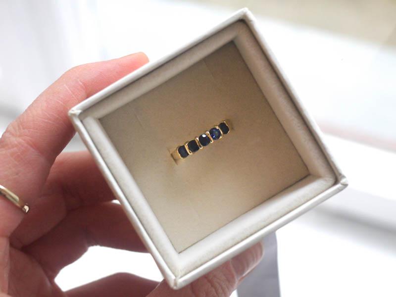 SaphirRingSaphire Ring - 18 Karat Gelbgold mit Saphiren18 Carat Yellow Gold with Saphires
