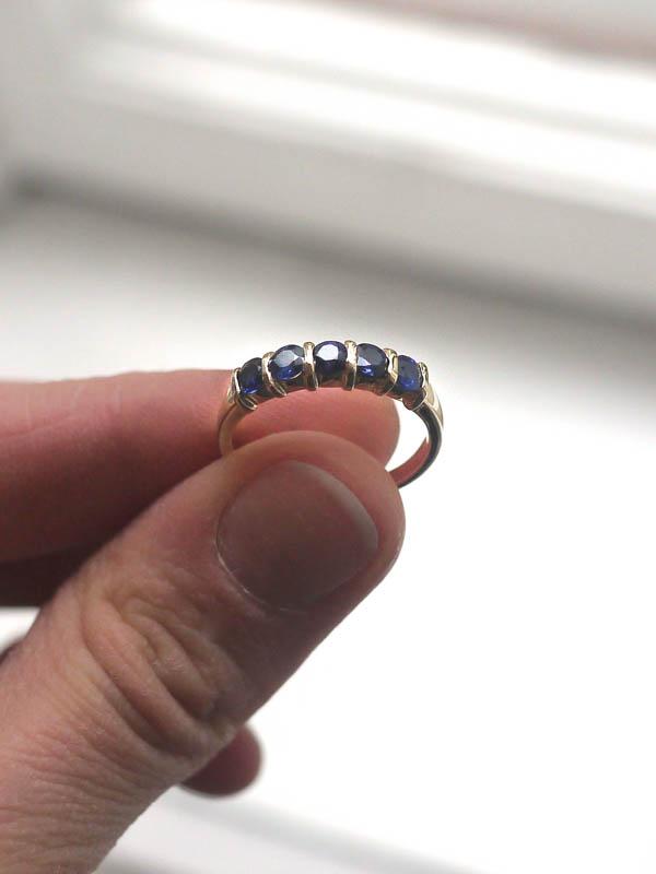 EAM-Brandis-Atelier-Custom-Orders-Saphire Ring-4.jpg