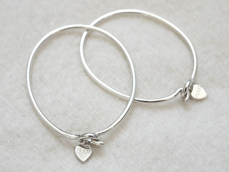 Bridemaids and Groomsmen Gifts - Armreif Silber mit handgraviertem Herz und Armspange Silber innen handgraviertBangle Silver with hand engraved heart and Bangle Silver hand engraved inside