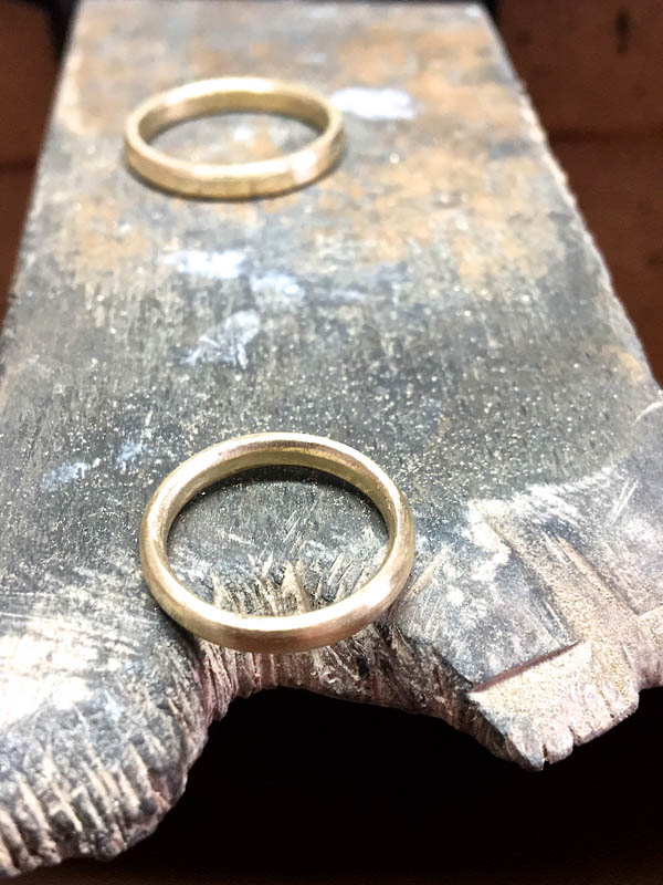 EAM-Brandis-Atelier-Custom-Orders-Manufacturing-Wedding-Bands-5.jpg